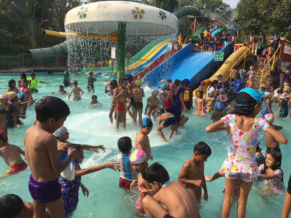 picnic on water park The first family of water parks has become an schlitterbahn has five unique water park destinations at every schlitterbahn you will find tubing rivers, uphill water coasters, boogie bahn surfing rides, torrent tidal wave rivers and picnic areas with shade schlitterbahn waterpark.
